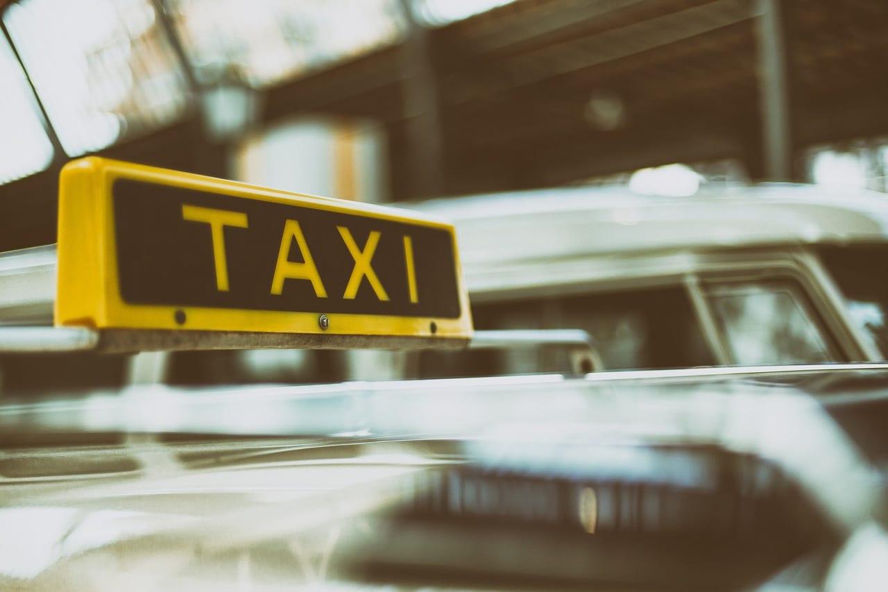 倒産 タクシー 会社